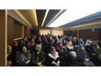 """Bayburt'ta """"Peygamber Efendimiz ve Aile"""" konulu konferans düzenledi"""
