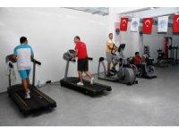 Mersin'deki engelliler sporla sosyalleşiyor