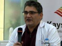 """KBB Uzmanı Dr. Erdal Cahit Topçu: """"Öksürük akciğerleri koruma mekanizmasıdır"""""""