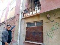 Akıl almaz hırsızlık: Duvara tırmanıp, balkon deliğinden girdi