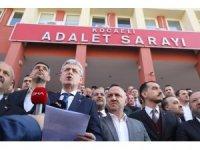 AK Parti'den Anıtkabir'de slogan atan gençlere küfür eden şahıs hakkında suç duyurusu