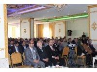 """Yüksekova'da """"Peygamberimiz ve Aile"""" konulu konferans"""