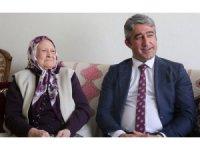 Başkan Oktay'dan 83'lük Mürşide Teyze'ye komşu ziyareti