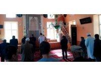 10 ay sonra imam atanana köyde cami doldu taştı