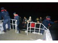 Ayvalık'ta 49 düzensiz göçmen Sahil Güvenlik'ten kaçamadı