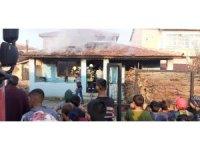 Tekirdağ'da tek katlı ev yandı
