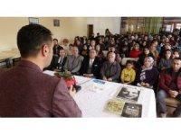 Şair-Yazar Bülent Parlak Vanlı okurlarıyla buluştu