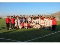 Bülent Uygun, Yerköy Futbol Akademisini ziyaret etti