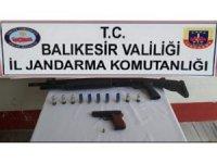 Polisten silah operasyonu