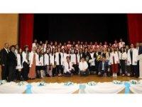 Diş Hekimliği 1. sınıf öğrencileri beyaz önlük giydi