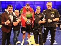 Bülent Başer'in çalıştırdığı Alman boksör, Avrupa şampiyonu oldu