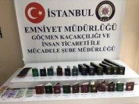 Havalimanında yabancı uyruklu kişileri yasa dışı yollardan Türkiye'ye sokan 3 pasaport polisi ve 1 avukat gözaltına alındı