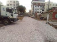 Yunusemre'den Atatürk Mahallesinde yol yapım çalışması