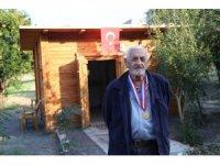 Otostop çekerek çıktığı ülkesine 66 yıl sonra döndü