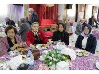 Emekli öğretmenler kahvaltıda buluştu
