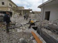 Rus savaş uçakları İdlib'ı bombaladı: 2 ölü