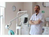 """Ağız ve Diş Sağlığı Uzmanı Doç. Dr. Okçu: """"Diş fırçalamak tercih değil, gereklilik"""""""