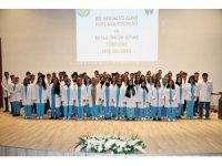 HRÜ diş hekimliği öğrencileri beyaz önlük giydi