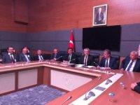 AK Partili vekiller muhtarları ağırlamaya devam ediyor