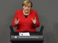 Merkel: Türkiye zor bir müttefik ama NATO içinde tutulmalı