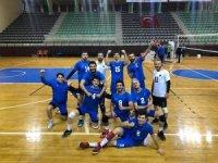 Karacabey Belediyespor Voleybol Takımı galibiyete odaklandı