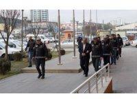 Sahte evraklarla insan kaçakçılığı yapan çete, polisin 6 aylık takibi sonrası çökertildi