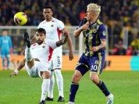 Süper Lig: Fenerbahçe: 3 - Gençlerbirliği: 1 (İlk yarı)