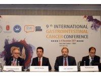 """Prof. Dr. Tezer Kutluk: """"Sindirim sistemi kanserlerinden korunmak için günde 10 bin adım atın"""""""