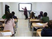 Haliliye'de öğrenciler ücretsiz kursta sınavlara hazırlanıyor