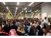 KAYSERmall Outlet'te indirimli alışveriş yoğunluğu