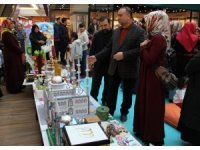 Kuran öğrenen minik öğrencilerin sergisi büyük beğeni topladı