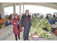 Şuhut'a kazandırılan Kapalı Pazar Yeri için esnaflardan başkana teşekkür