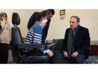 Engelli gencin akülü araç sevinci yürekleri ısıttı