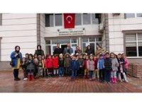 Minik öğrencilerden Başkan Saklı'ya ziyaret