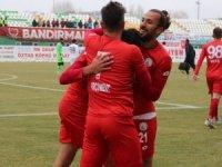 TFF 2. Lig: Sivas Belediyespor: 3 - Bandırmaspor: 0