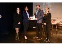 LÖSEV Eskişehir'den Rektör Çomaklı'ya ödül
