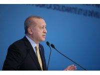 """Cumhurbaşkanı Recep Tayyip Erdoğan: """"Arnavutluk'taki deprem sonrası sivil toplum kuruluşlarımız ülkeye giderek çalışmalara başladı. 500 konut yapmak için de talimat verdim. Uygun yerler tespit edilecek. Bu destekler Arn"""