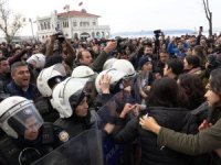 İstanbul Valiliği'nden Kadıköy'deki kadın eylemi sonrası gözaltılarla ilgili açıklama