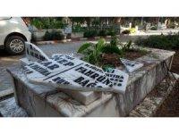Manisa'da mezar taşı ve çeşmeleri parçaladılar