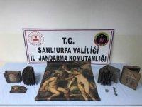 Şanlıurfa'da ceylan derisine yapılmış tarihi tablo ele geçirildi