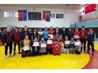 Isparta Ana Lig Güreş Takımı Yarı Finallerde
