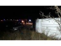 İşçi servisi otomobille çarpıştı: 16 yaralı