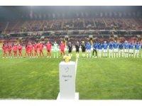 Süper Lig: Kayserispor: 1 - Çaykur Rizespor: 0 (İlk yarı)