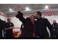 Kayserispor Başkanı oyuncuları soyunma odasında tebrik etti