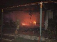 Tuğba Özay'ın İngiliz komşularının evi yandı