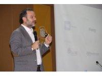 """""""Dijital Devrim ve Yeni Medya Düzeni"""" konferansı düzenlendi"""