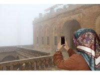 Mardin'i sis kapladı