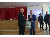Burhaniye'de üniversiteliler kamu yöneticileri ile buluştu