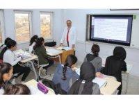 Milli Eğitim Müdürü Alagöz öğretmenliğe geri döndü