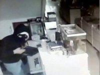 İş yerinden bilgisayar ve para çalan yüzü maskeli hırsız adliyeye sevk edildi